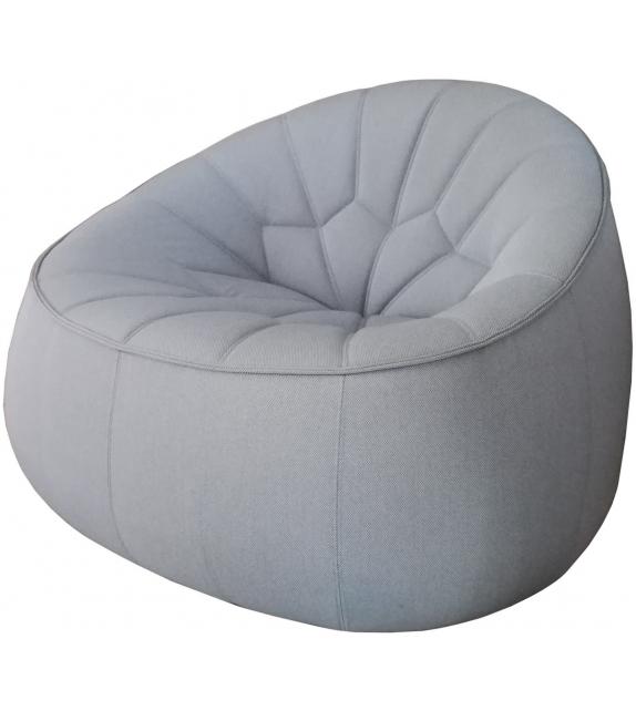 en-exposition-ottoman-ligne-roset-fauteuil